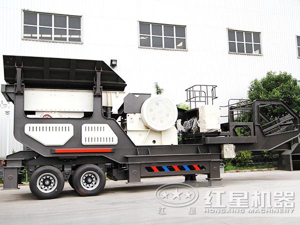 一小时产一百吨煤矸石轮胎式移动破碎机