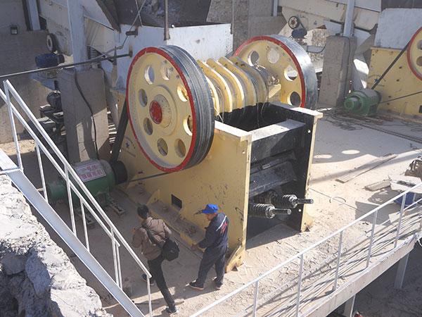 碎石机一套下来要多钱?一天能碎多少吨?