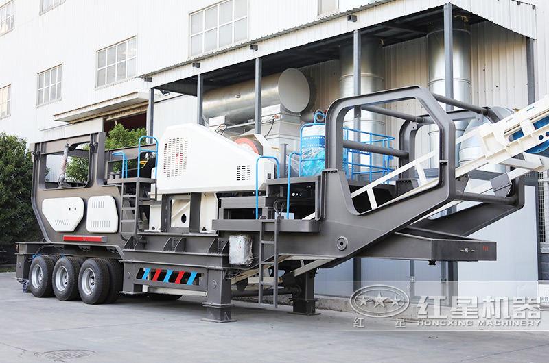 鄂破移动式破碎机时产100吨:给料+粗碎+传输