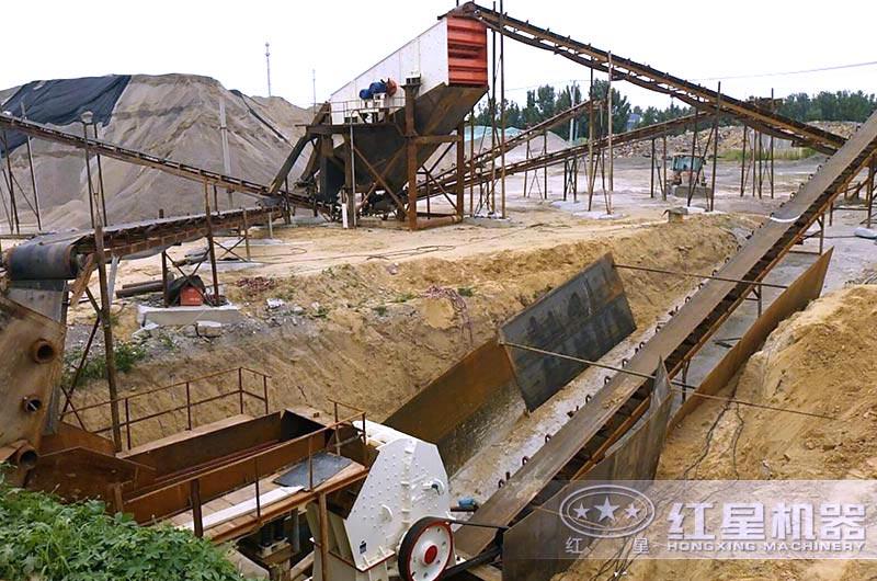 山东客户小型锤式破碎石子机生产线