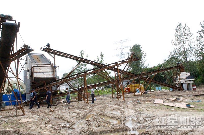 安徽客户鹅卵石制砂机生产现场图