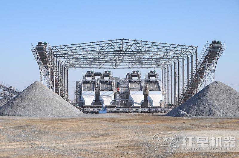 安徽大型颚式破碎机生产现场